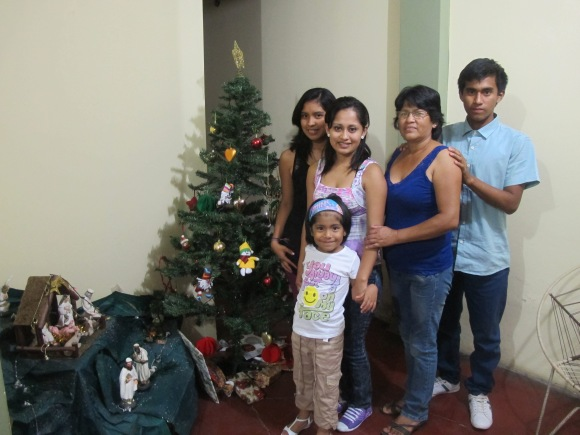 mi familia on christmas!