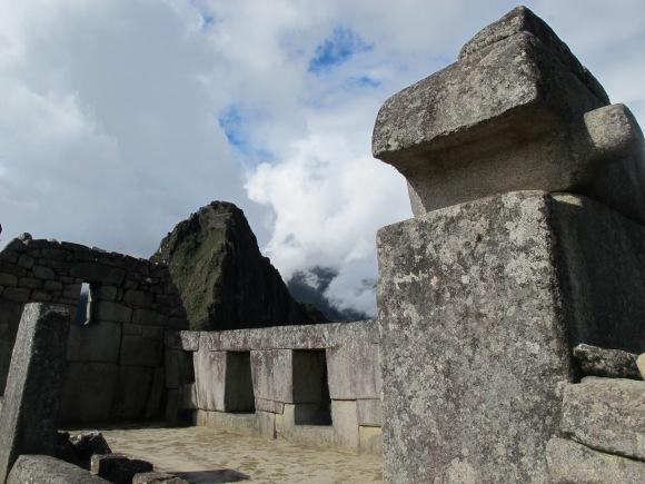 the three-window temple.