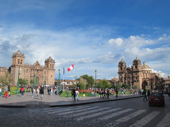 the sun came out in the afternoon for a beautiful shot of the main plaza.