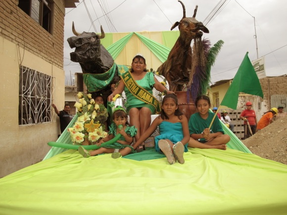 i celebrated carnaval in illimo and joined banda verde. this was my favorite verde float.